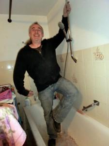 elegantes Duschgestänge anmachen
